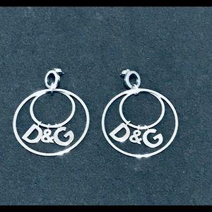 D&G Logo silver tone drop hoop earrings 81B